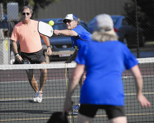 Pickleball courts serve up sense of community in New Windsor