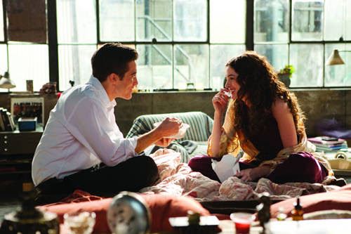 love-other-drugs-jake-gyllenhaal-anne-hathaway