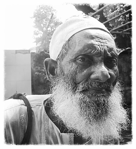 The Fear Of Living .. Muslim Beggars God Made And Forgot by firoze shakir photographerno1