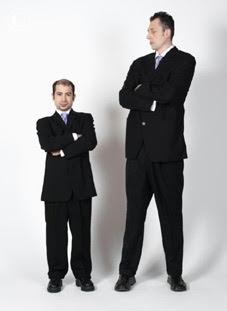 Kok adiknya lebih tinggi?
