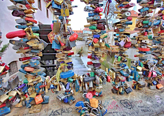 Love Lock Store - Hang on to what you love