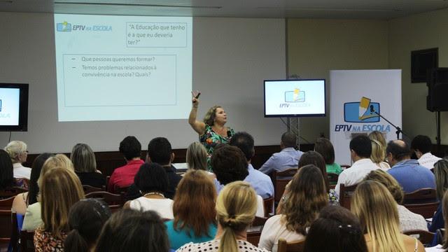 Além do tema do projeto, palestra abordou o papel do educador na formação dos estudantes (Foto: Bruno Teixeira)