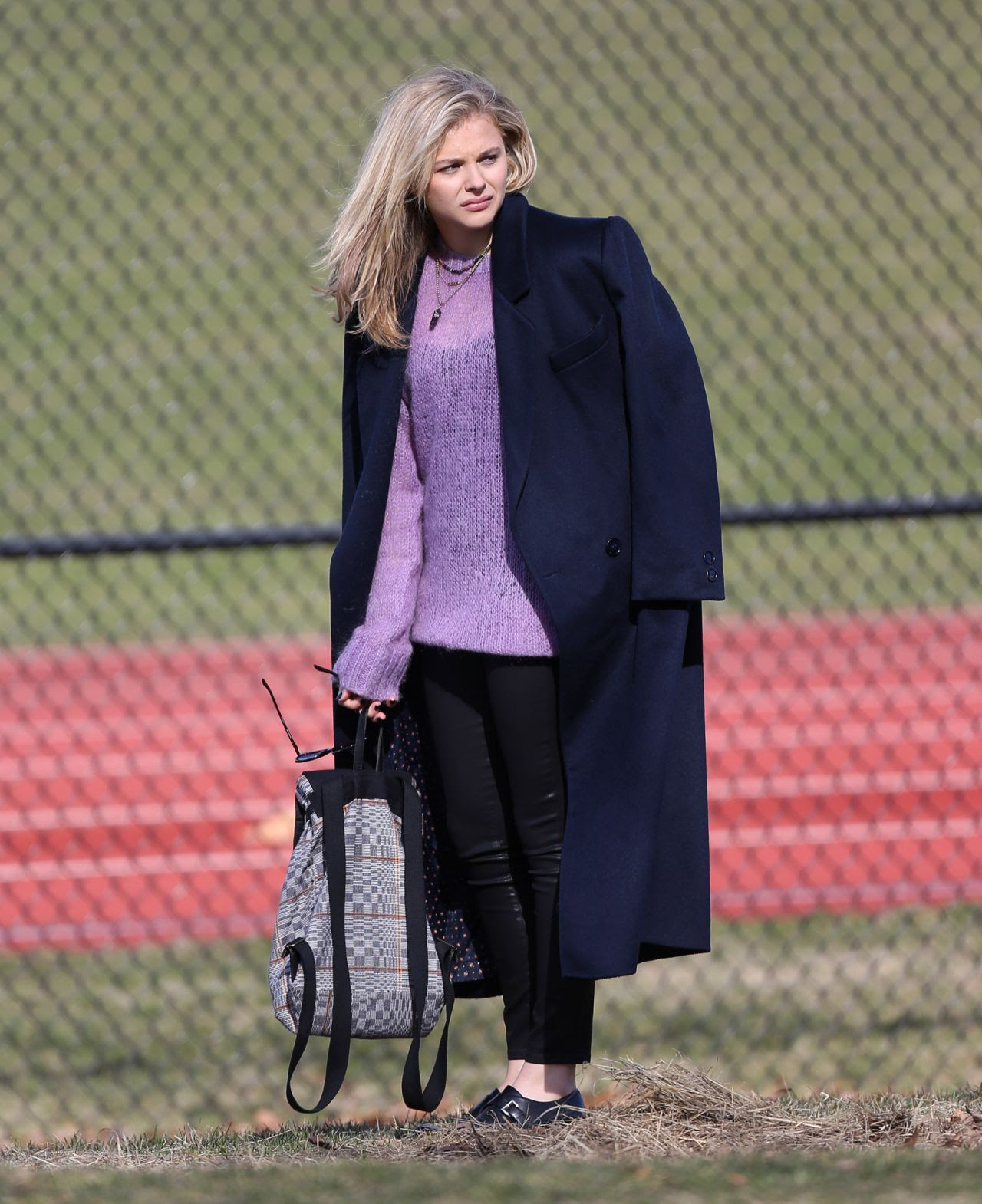 http://celebmafia.com/wp-content/uploads/2015/04/chloe-moretz-set-of-november-criminals-in-providence-rhode-island-april-2015_15.jpg