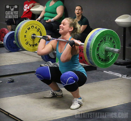 Why Weightlifters Should Front Squat With a Closed Fist Instead of Two Fingers