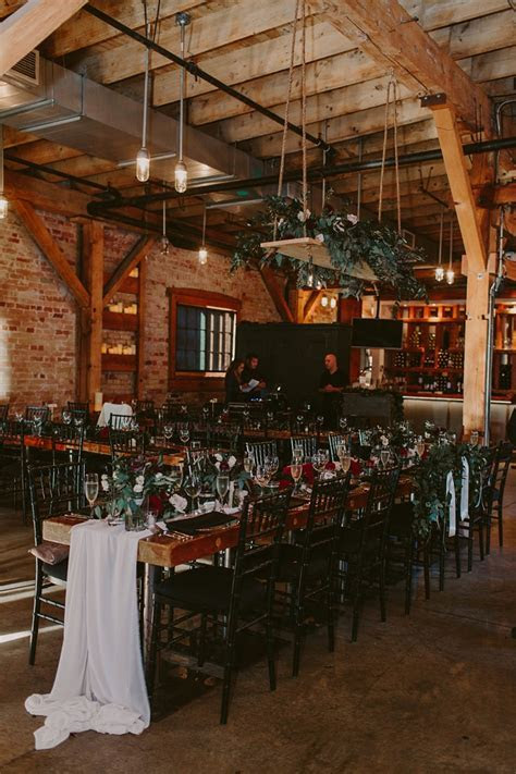 Archeo Restaurant Wedding Toronto   LUC   LEESA   Brandon