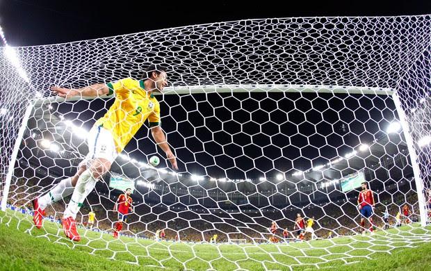 Fred gol Brasil final Espanha  (Foto: Ivo Gonzalez / Agencia O Globo)