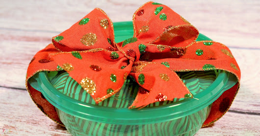 DIY Gift Idea: How to Package Holiday Treats • FYI by Tina