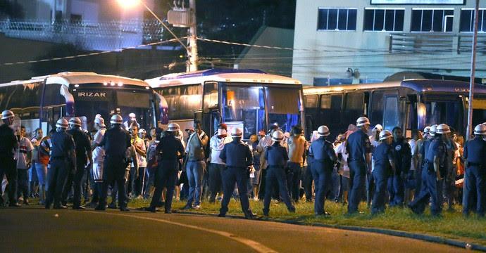 Confusão torcida Corinthians X São Paulo - Copinha (Foto: Alex Silva / Estadão Conteudo)