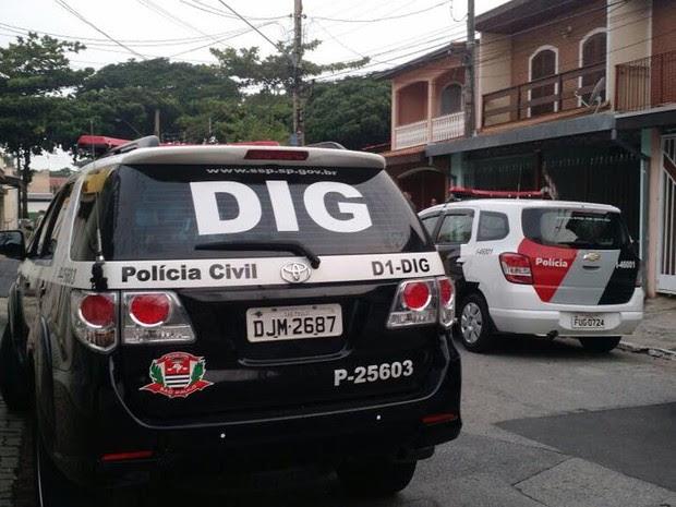 Assaltante é morto em confronto com a polícia em São José (Foto: Divulgação/DIG)