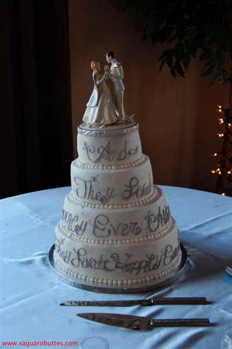 Best 25  Cinderella wedding cakes ideas on Pinterest