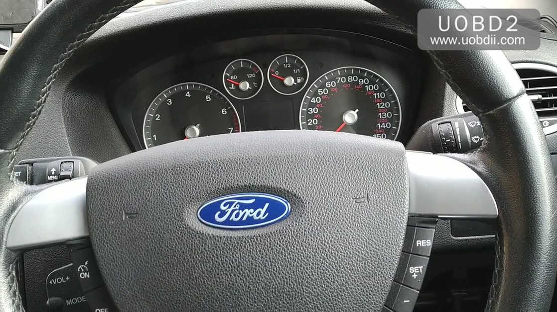 lonsdor-k518ise-key-programming-on-a-ford-focus-03