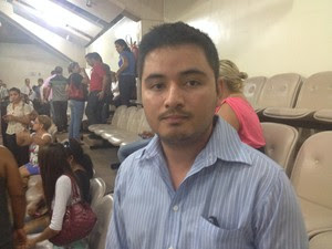 Jonathan Rocha, representante dos servidores exonerados (Foto: Dyepeson Martins/G1)