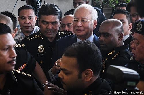 Skandal homoseksual tutup skandal Najib - SRC International?