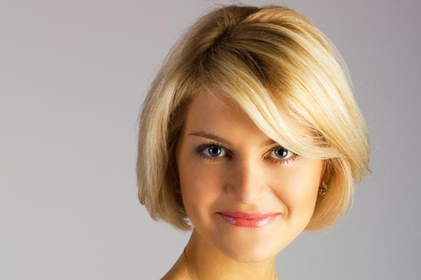 Short Hairstyle For Round Face Thick Hair Haircuts