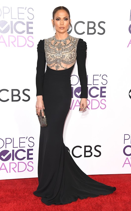 2017 People's Choice Awards Red Carpet Arrivals