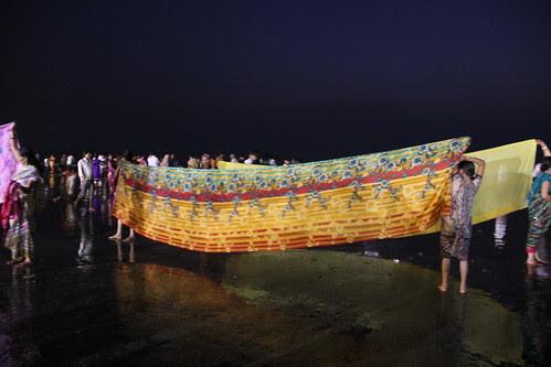 Juhu Beach..Where Gods Come To Repose .. by firoze shakir photographerno1