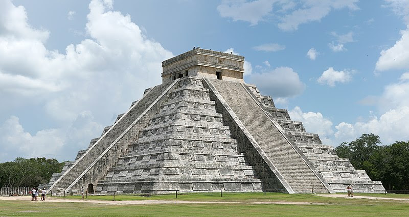 http://upload.wikimedia.org/wikipedia/commons/thumb/5/51/Chichen_Itza_3.jpg/800px-Chichen_Itza_3.jpg