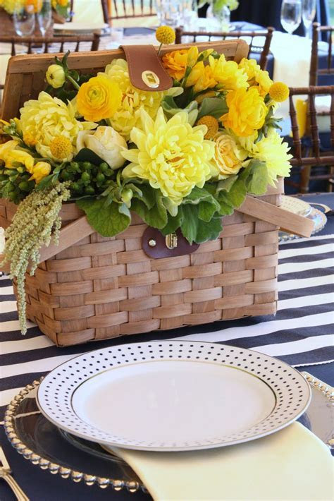 picnic basket reception wedding flowers, wedding decor