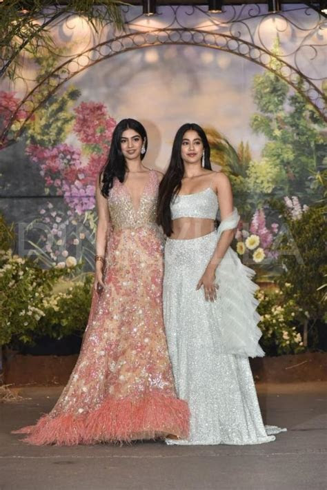 Sonam Kapoor Anand Ahuja reception: Janhvi Kapoor and