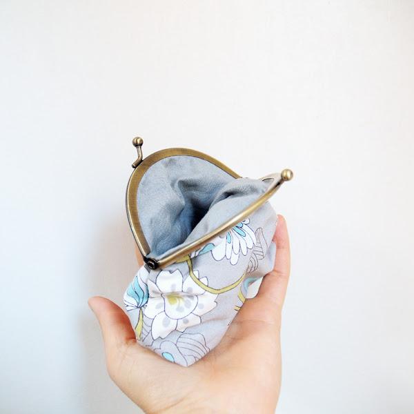 grey purse1