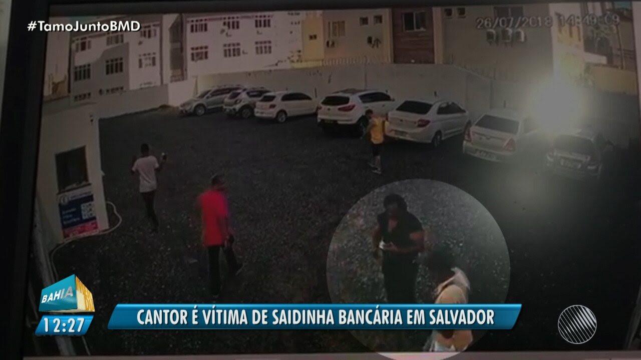 Resultado de imagem para Cantor é vítima de 'saidinha bancária' e quase R$30 mil levados por assaltante