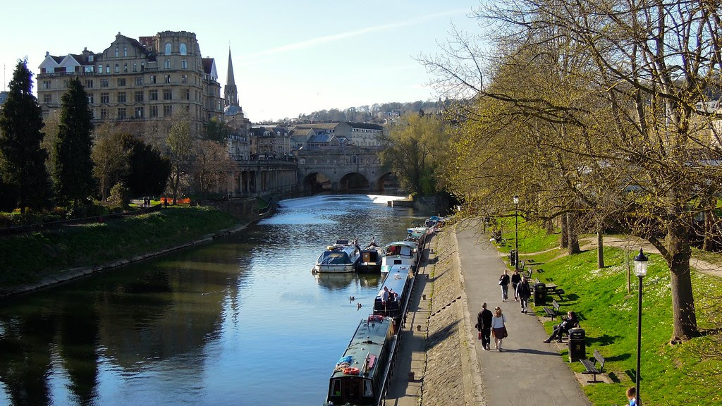 Pulteney Weir and Bristol Avon River, Bath, England
