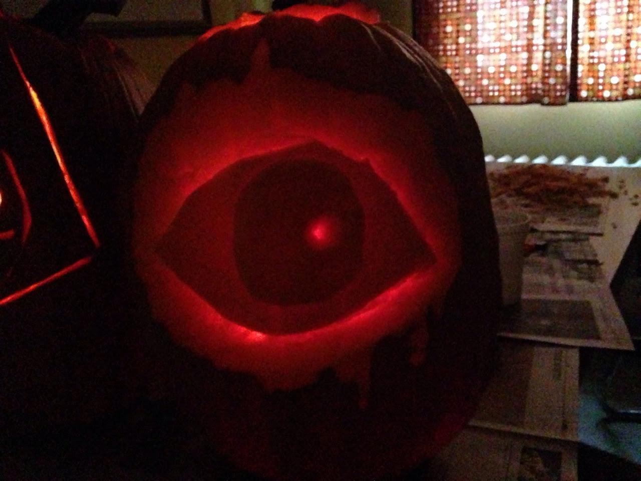 More peripumpkin with an eyeball pumpkin my frand did I'm so proud of my peripumpkin!!