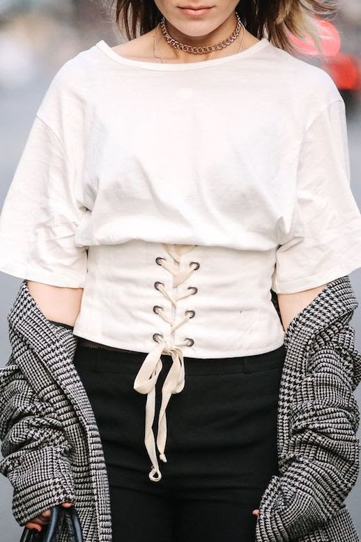 Best Corset Tops Lace Up Shirts Of The Season Via Instyle Germany Le Fashion Blog