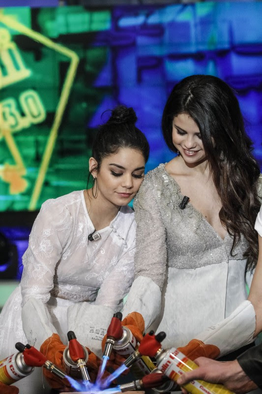 Vanessa-Hudgens-and-Selena-Gomez-at-El-Hormiguero-TV-Show-in-Madrid-Pictures-Photos-10