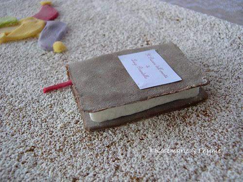 DSCN6551 - Libro in pasta di zucchero