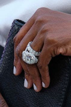 Wendy Williams' wedding ring, and & bands!! Says the