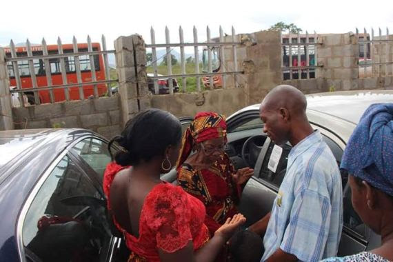 80-year-old Woman Gets A Car From Iginla (photos)
