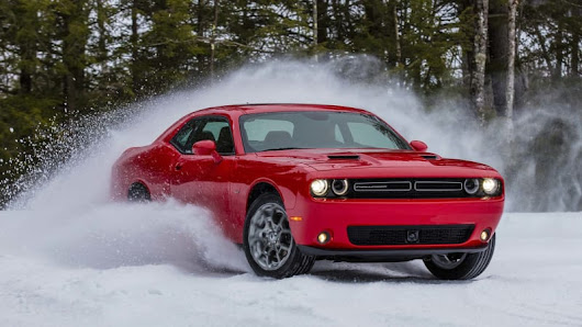 Playing in the snow | 2017 Dodge Challenger GT First Drive - Autoblog