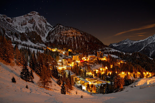 theworldwelivein:  Foppolo by Night (by Pierpaolo.)