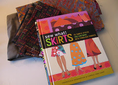 boka er 'sew what? skirts' :: the book is 'sew what? skirts'