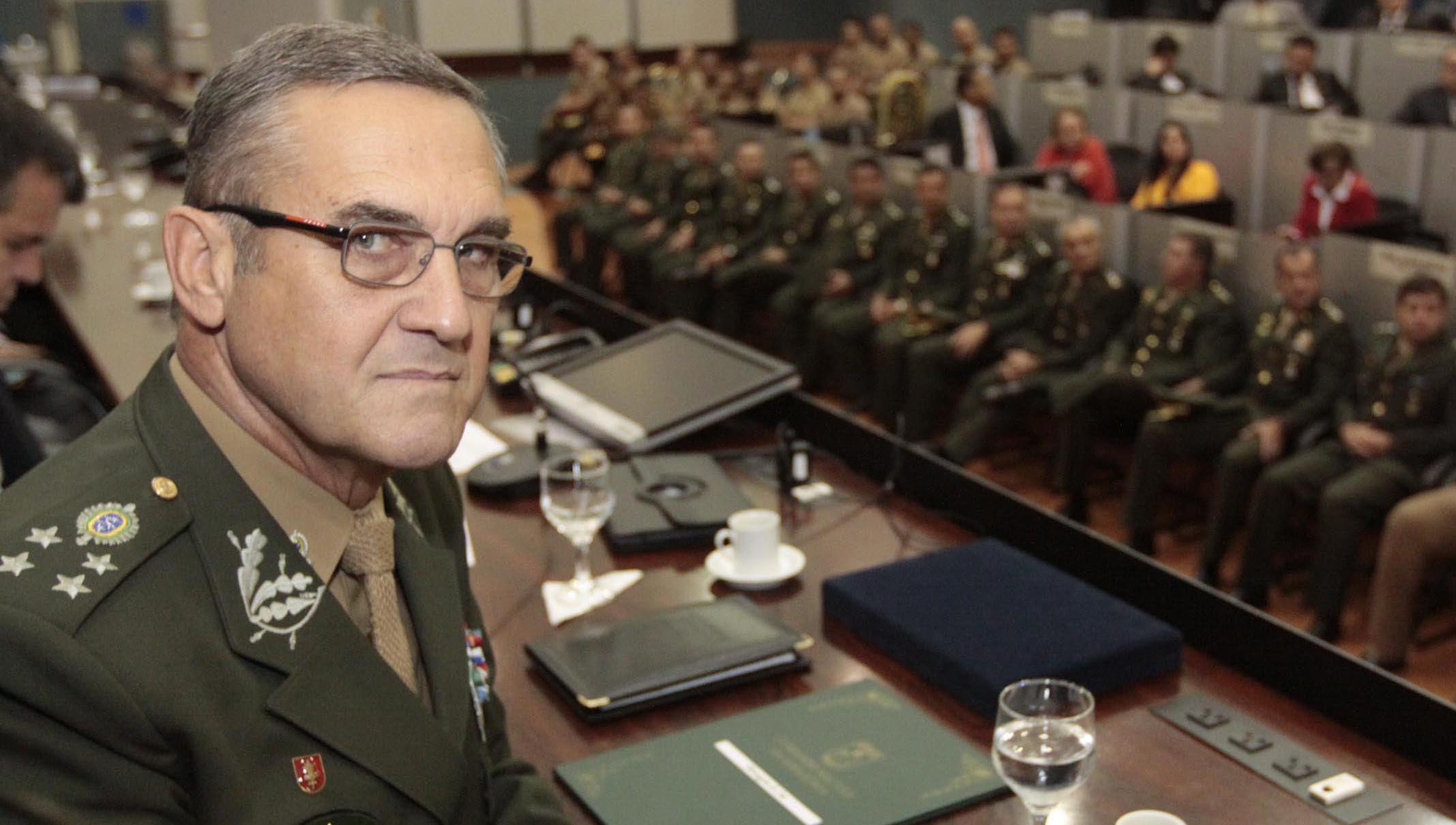 Resultado de imagem para foto general Eduardo Villas Bôas