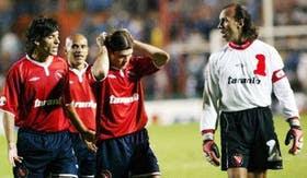 La confusión dominó a Independiente; Carrizo, con Jorge Martínez y Riggio, charla con Navarro Montoya