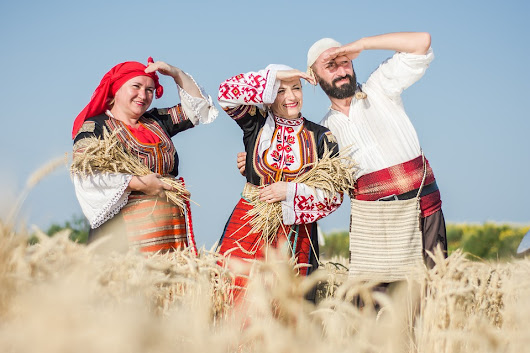 Celebrate Enyovden in a Bulgarian national costume of Avren meadow - Bulgaria Travel News