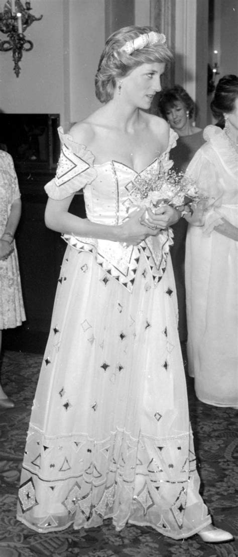David Emanuel designed Diana dress expected to fetch £