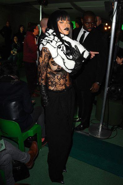 photo RihannaJeanPaulGaultierFrontRowParisxiHc_ZmuvlBl.jpg