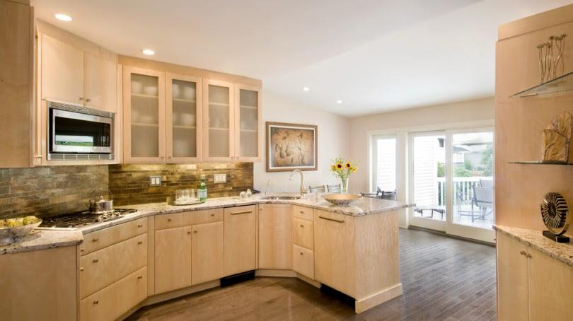 Quartz Countertops With Light Maple, Natural Maple Cabinets With White Quartz Countertops