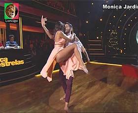 Monica Jardim sensual a dançar no Dança com as estrelas