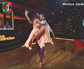 Monica Jardim sensual no programa Dança com as estrelas