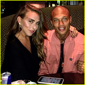 'Hot Felon' Jeremy Meeks Spotted Kissing Heiress Chloe Green