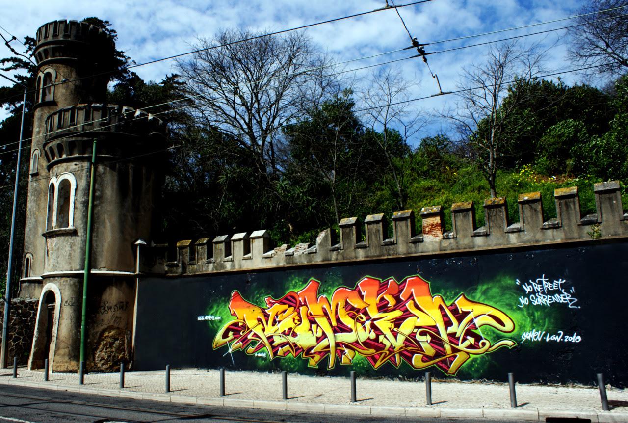 Intervenção em Algés, Oeiras.100% spray. 10mx3m. Nomen 2010.