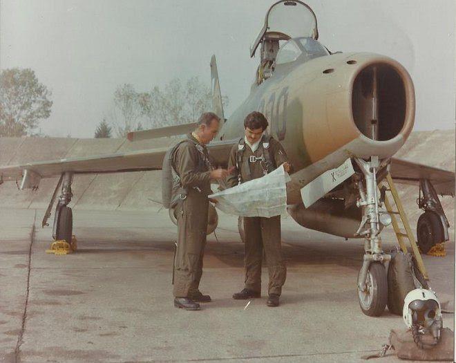 7_F-84F_kasteli