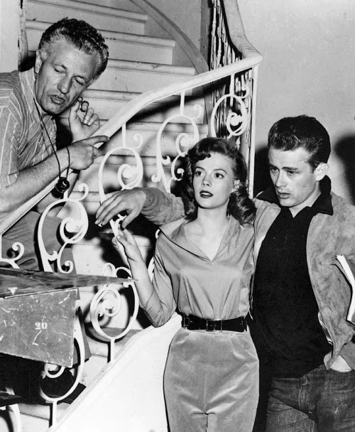 jamesdeandaily:  Nick Ray directs Natalie Wood and James Dean in an early screen test for Rebel Without a Cause.