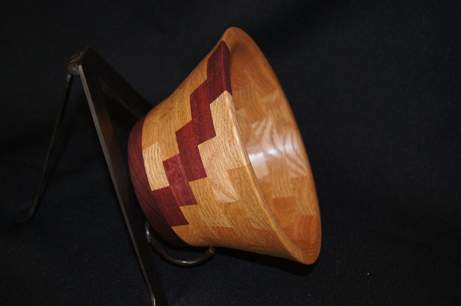 Beautiful Oak segmented bowl - WoodBeautiful
