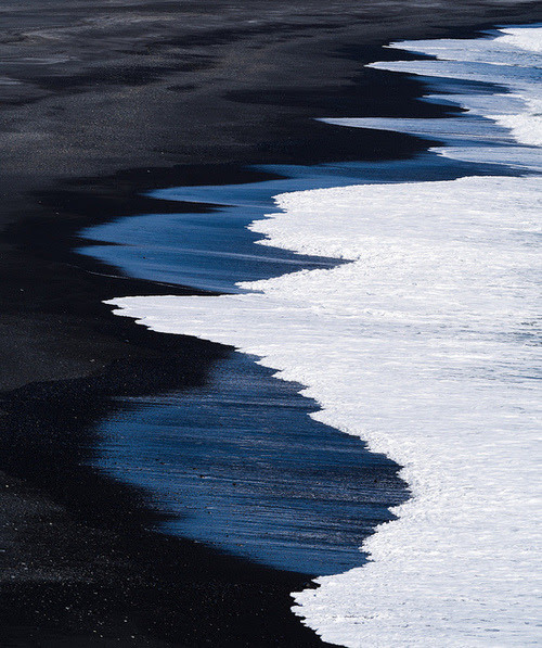 Nothing is as beautiful as the ocean.