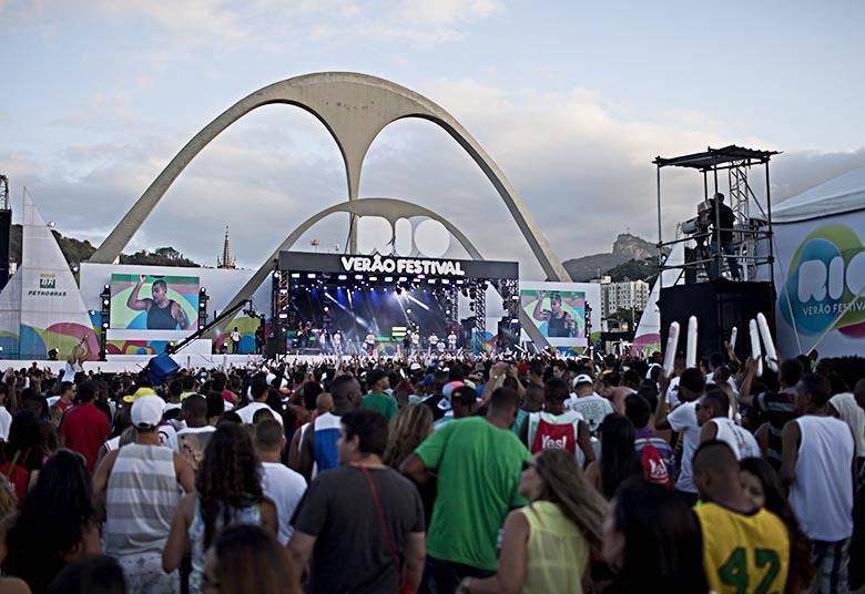 Lei da Copa comea a valer Veja o que muda pelo Brasil